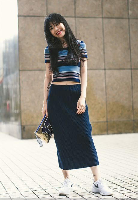 """Street style cua cac quy co Chau A tuan nay toan cach """"mix"""" do dep - Anh 1"""