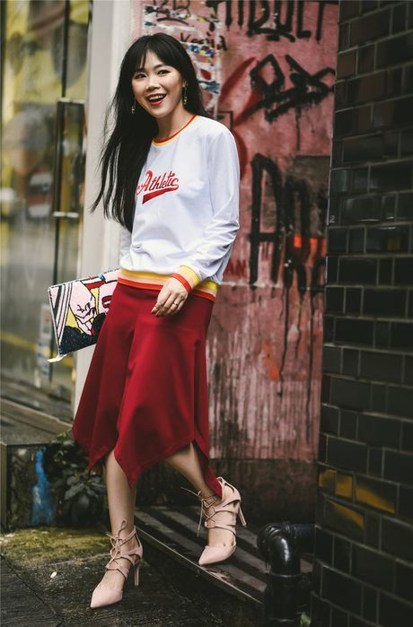 """Street style cua cac quy co Chau A tuan nay toan cach """"mix"""" do dep - Anh 2"""