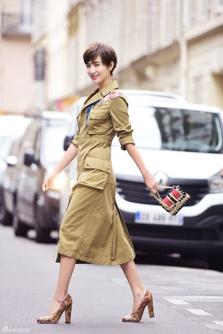 """Street style cua cac quy co Chau A tuan nay toan cach """"mix"""" do dep - Anh 4"""