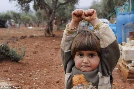 Nhoi long hinh anh nhung em be Syria phia sau cuoc chien dam mau khong hoi ket - Anh 6