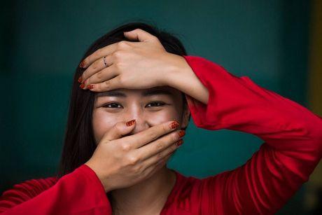 Van Mai Huong chup anh cung 'Cu ba dep nhat the gioi' o Hoi An - Anh 2