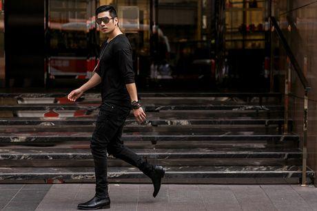 Nam diễn viên Thiên Nguyễn khoe gu thời trang cá tính với sắc đen