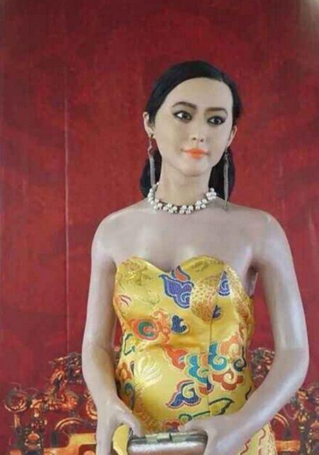 Khoc thet vi tuong sap 'quy hon' cua Pham Bang Bang - Anh 4