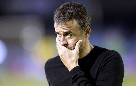 Barcelona khoi dau toi te nhat sau hon 10 nam - Anh 1
