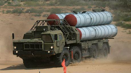 Nga xac nhan trien khai he thong phong khong S-300 toi Syria - Anh 1