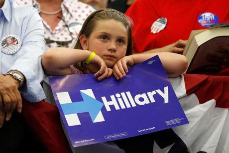 Nhung co dong vien nhi cua ung vien Hillary Clinton - Anh 4