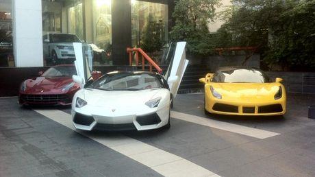 'Tam hoang' sieu xe tien ty Lamborghini, Ferrari tai Ha Noi - Anh 12
