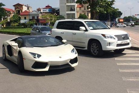 'Tam hoang' sieu xe tien ty Lamborghini, Ferrari tai Ha Noi - Anh 5