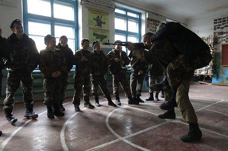 Dot nhap 'truong thieu sinh quan' danh cho tre em Nga - Anh 4