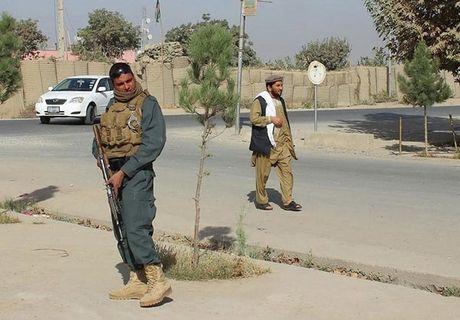 Quan doi Afghanistan xua duoi phien quan Taliban khoi Kunduz - Anh 5