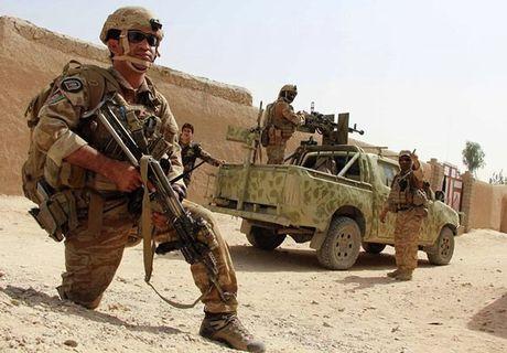 Quan doi Afghanistan xua duoi phien quan Taliban khoi Kunduz - Anh 8