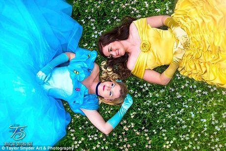 Bộ ảnh cưới đẹp như mơ của cặp đôi đồng tính nữ