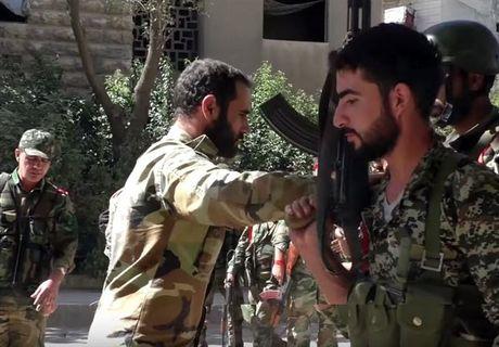 Can canh cuoc phan cong cua quan doi Syria giua long Aleppo - Anh 13