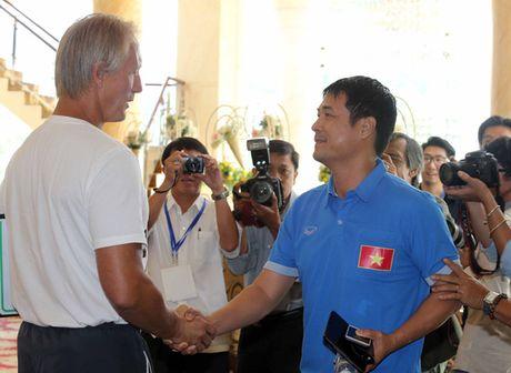 HLV Trieu Tien: Thua tuyen Viet Nam co the bi duoi viec - Anh 1