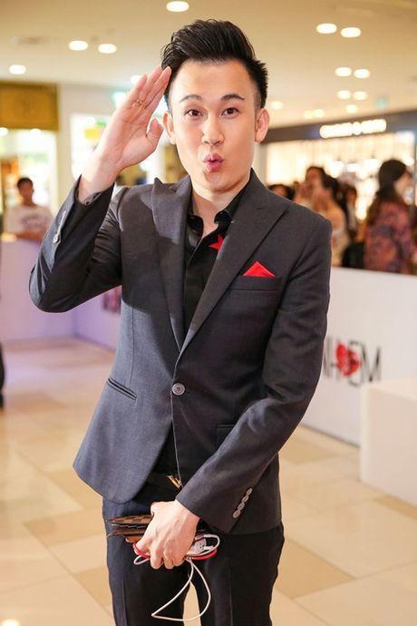 Ngoc Trinh, Maya cuon hut kho cuong tren tham do ra mat phim - Anh 10