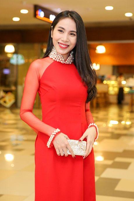 Ngoc Trinh, Maya cuon hut kho cuong tren tham do ra mat phim - Anh 11