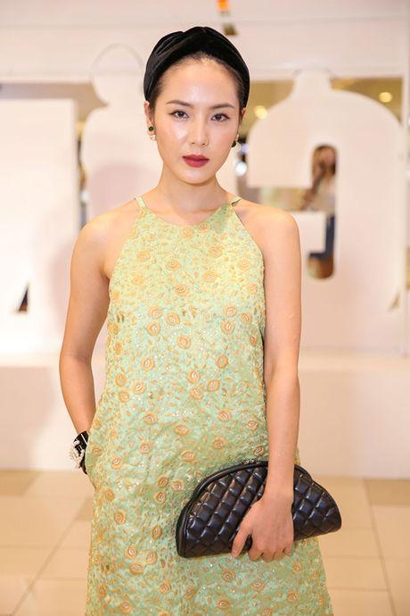 Ngoc Trinh, Maya cuon hut kho cuong tren tham do ra mat phim - Anh 13