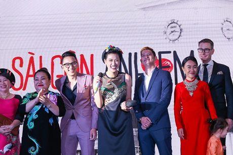 Ngoc Trinh, Maya cuon hut kho cuong tren tham do ra mat phim - Anh 16