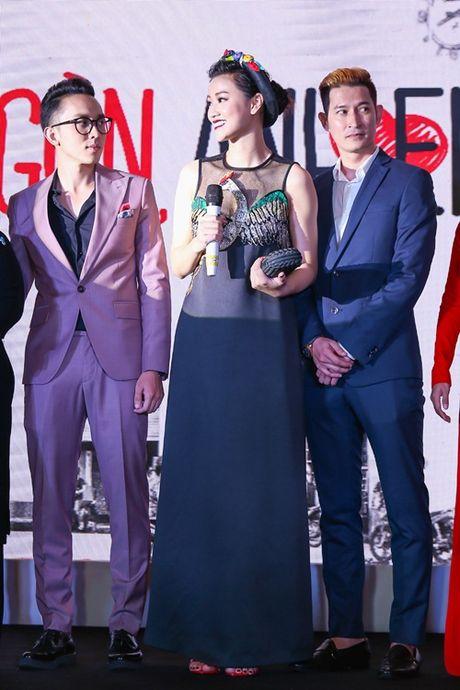 Ngoc Trinh, Maya cuon hut kho cuong tren tham do ra mat phim - Anh 17