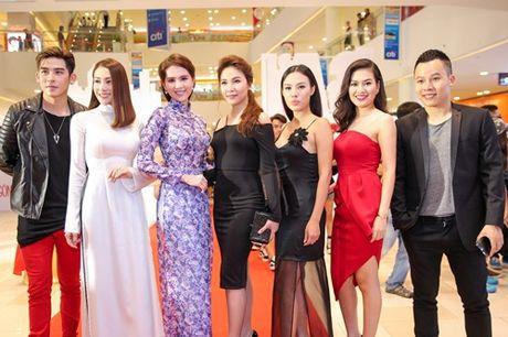 Ngoc Trinh, Maya cuon hut kho cuong tren tham do ra mat phim - Anh 18