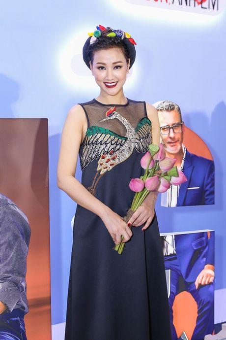 Ngoc Trinh, Maya cuon hut kho cuong tren tham do ra mat phim - Anh 5