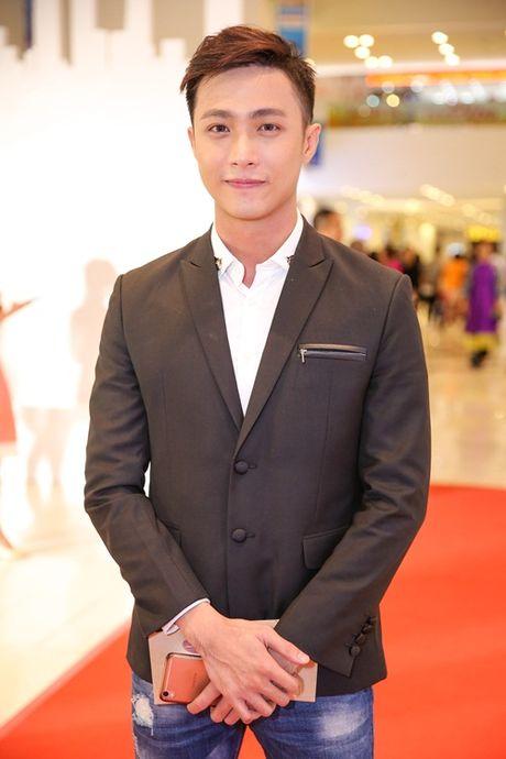 Ngoc Trinh, Maya cuon hut kho cuong tren tham do ra mat phim - Anh 8