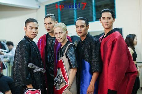 Hau truong chung ket Vietnam's Next Top Model 2016: Chuyen chua ke - Anh 6