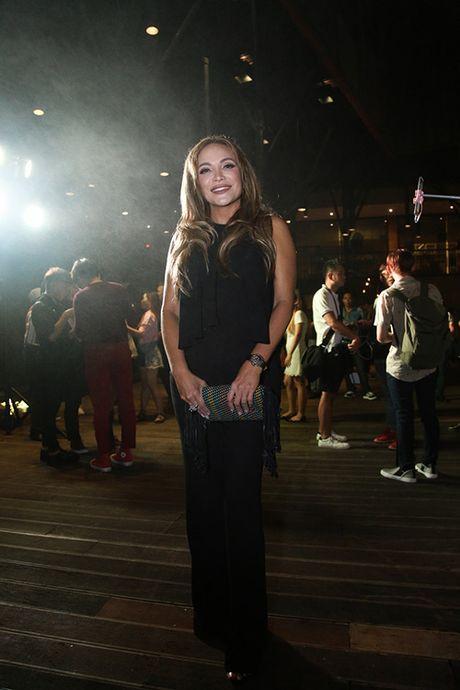 Thanh Ha om cham Hari Won, pha tin don tinh cam ran nut - Anh 2