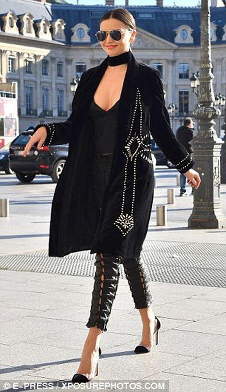 Ngam Miranda Kerr sexy noi bat tren pho - Anh 5