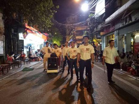 Hot rac, hat rong – nhung nguoi lam dep cho Ha Noi - Anh 6