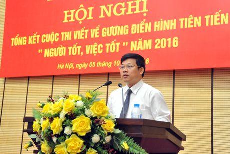 Ha Noi trao giai cuoc thi viet guong dien hinh nguoi tot, viec tot 2016 - Anh 2