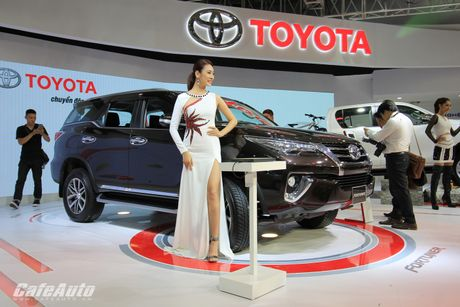 Toyota Fortuner 2017 bat ngo ra mat tai trien lam Vietnam Motor Show 2016 - Anh 1