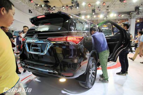 Toyota Fortuner 2017 bat ngo ra mat tai trien lam Vietnam Motor Show 2016 - Anh 3