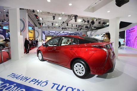 Toyota Viet Nam ra mat cung luc Fortuner moi va Hilux moi - Anh 10