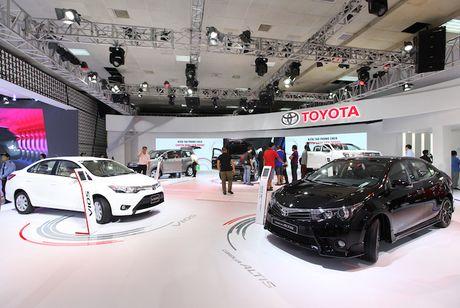 Toyota Viet Nam ra mat cung luc Fortuner moi va Hilux moi - Anh 1