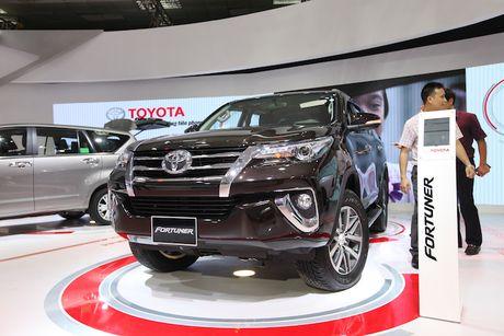 Toyota Viet Nam ra mat cung luc Fortuner moi va Hilux moi - Anh 2