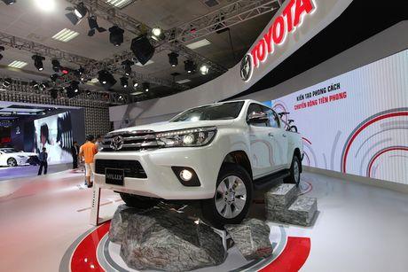 Toyota Viet Nam ra mat cung luc Fortuner moi va Hilux moi - Anh 5
