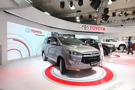 Toyota Viet Nam ra mat cung luc Fortuner moi va Hilux moi - Anh 6