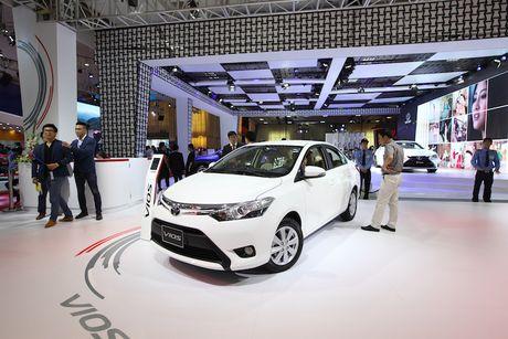 Toyota Viet Nam ra mat cung luc Fortuner moi va Hilux moi - Anh 7