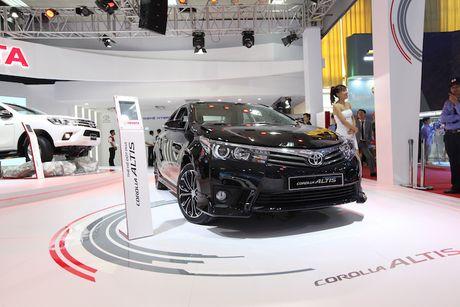 Toyota Viet Nam ra mat cung luc Fortuner moi va Hilux moi - Anh 8