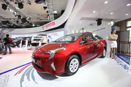 Toyota Viet Nam ra mat cung luc Fortuner moi va Hilux moi - Anh 9