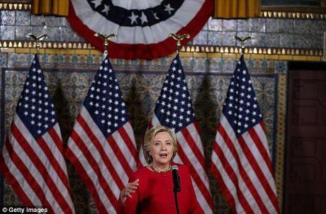 Hillary Clinton noi gi ve cao buoc 'muon tru khu nha sang lap Wikileaks'? - Anh 1
