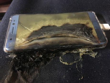 Gia mao Note 7 bi no khien Samsung phai 'giat minh' - Anh 1