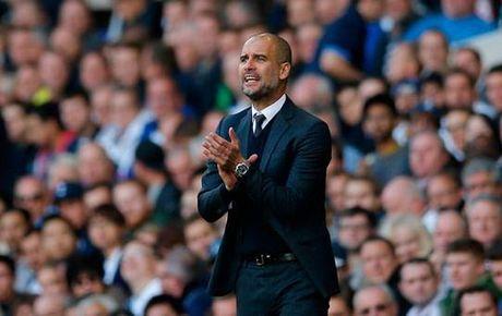 HLV Pep Guardiola cam cau thu Man City su dung Wifi hay 3G - Anh 1