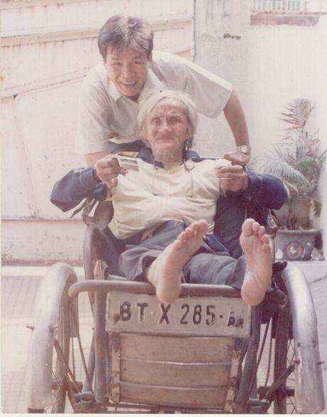 Chuyen it biet ve Bui Giang: Thi si thoat tuc - Anh 1