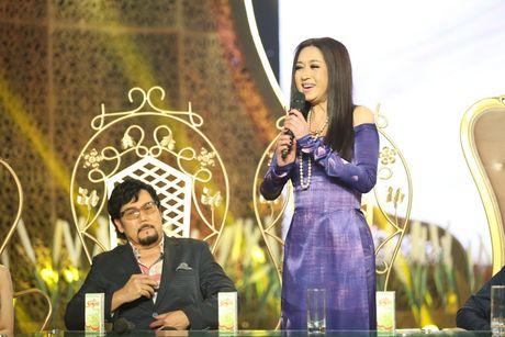 Phi Nhung doi 'chat chem' Manh Quynh tren ghe nong - Anh 3