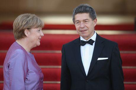 Chan dung nguoi chong hiem khi lo dien cua nu thu tuong Duc Angela Merkel - Anh 1