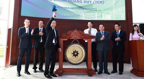 Co phieu TCH chinh thuc giao dich, ong Do Huu Ha lot Top10 nguoi giau nhat san chung khoan - Anh 1