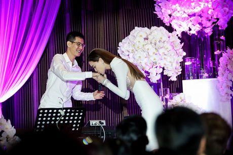 Bi Tien Cookie 'la', Ho Ngoc Ha cong khai gui loi xin loi giua dem nhac dac biet - Anh 10