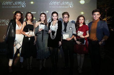 Bi Tien Cookie 'la', Ho Ngoc Ha cong khai gui loi xin loi giua dem nhac dac biet - Anh 16